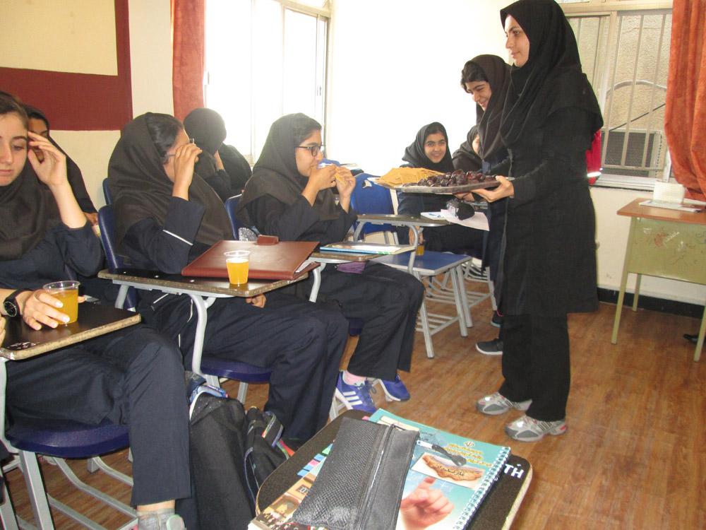 برگزاری زیارت عاشورا  در ماه محرم سال تحصیلی 96-95