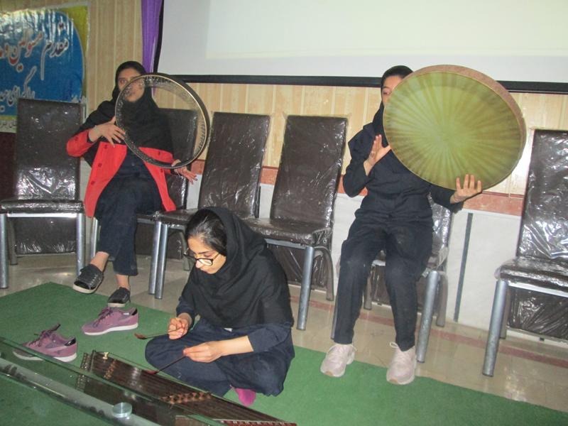 جشن تقدیر از دانش آموزان نوبت اول